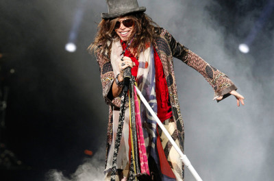 "Steven Tyler of Aerosmith performs at Intrust Bank Arena during the ""Global Warming Tour"" on Sunday, November 11, 2012, in Wichita, Kansas. (Jaime Green/Wichita Eagle/MCT)"