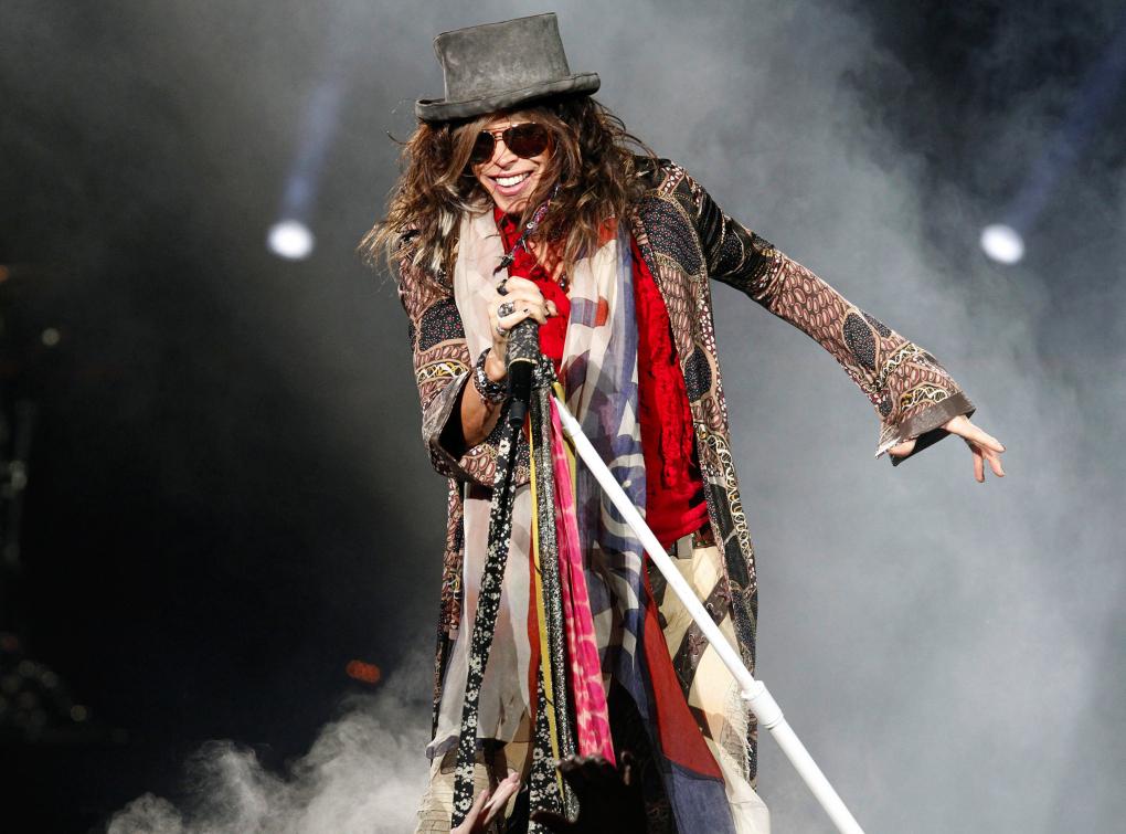 "Steven Tyler of Aerosmith performs at Intrust Bank Arena during the ""Global Warming Tour"" on Sunday, November 11, 2012, in Wichita, Kansas. (Jaime Green/Wichita Eagle/MCT)"